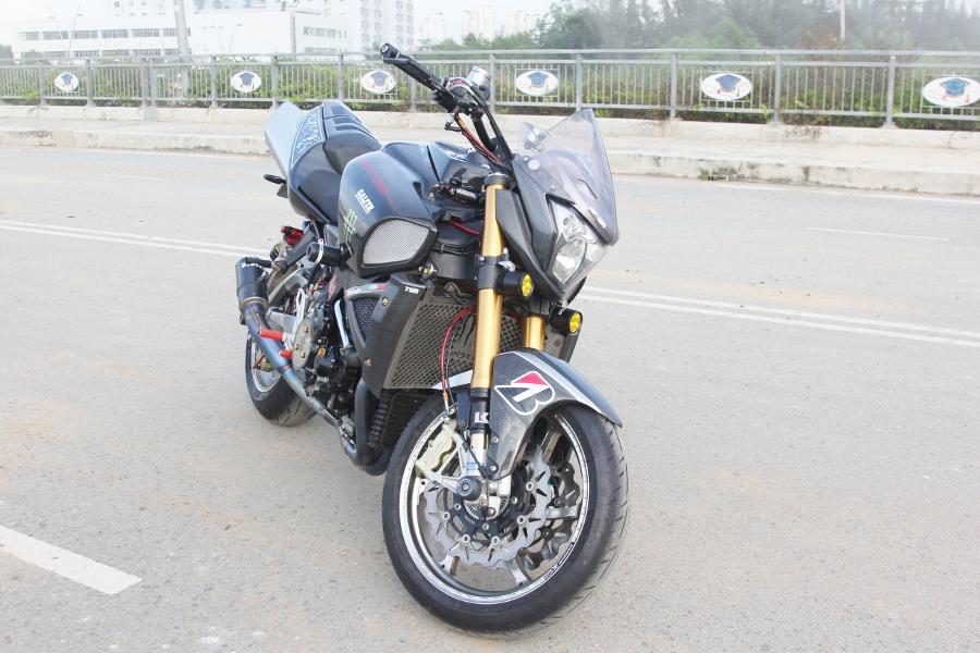 Suzuki-B-King-Kham-pha-mo-to-con-nha-giau-noi-cong-tham-hau-anh-24