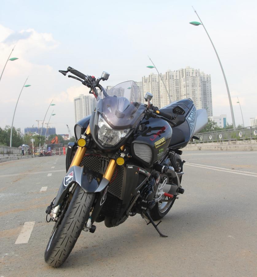 Suzuki-B-King-Kham-pha-mo-to-con-nha-giau-noi-cong-tham-hau-anh-6