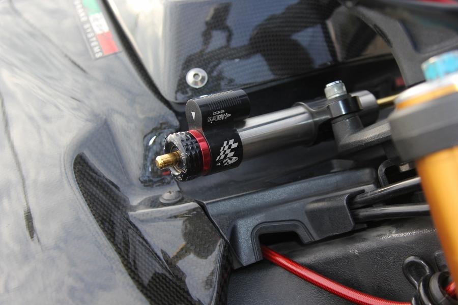 Suzuki-B-King-Kham-pha-mo-to-con-nha-giau-noi-cong-tham-hau-anh-10