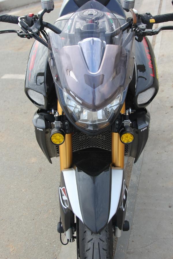 Suzuki-B-King-Kham-pha-mo-to-con-nha-giau-noi-cong-tham-hau-anh-11