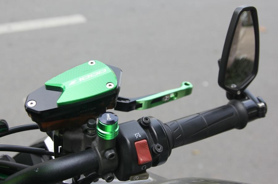 Chieu-lam-dep-Kawasaki-Z1000-noi-bat-choi-Tet-anh-6