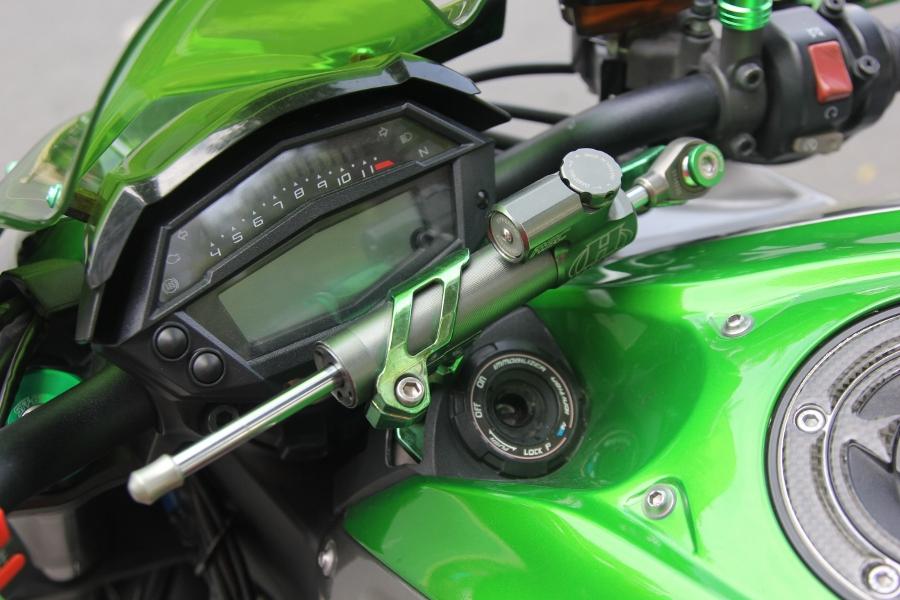 Chieu-lam-dep-Kawasaki-Z1000-noi-bat-choi-Tet-anh-17