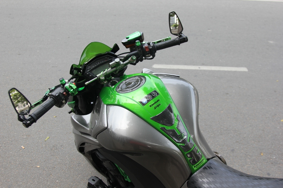 Chieu-lam-dep-Kawasaki-Z1000-noi-bat-choi-Tet-anh-26