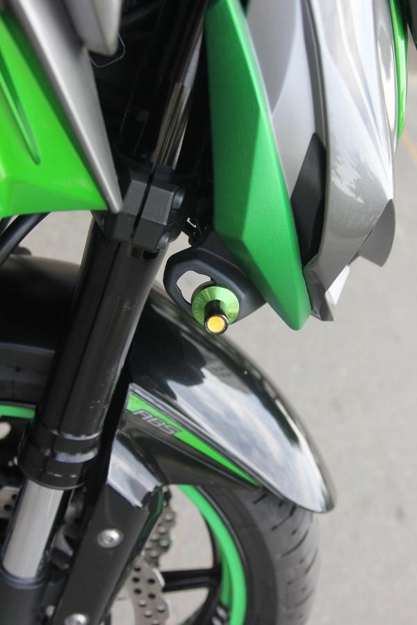 Chieu-lam-dep-Kawasaki-Z1000-noi-bat-choi-Tet-anh-18