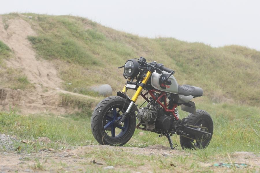 Tho-Sai-Gon-do-Honda-Win-100-Gia-sinh-vien-nhung-du-doc-anh-1