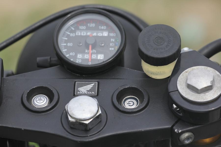 Tho-Sai-Gon-do-Honda-Win-100-Gia-sinh-vien-nhung-du-doc-anh-9