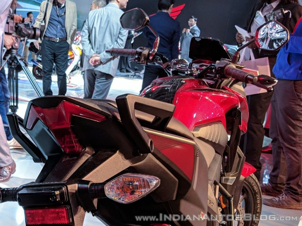 Ra-mat-nakedbike-Honda-X-Blade-gia-27-trieu-dong-anh-5