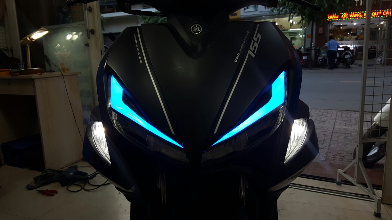 Yamaha-NVX-ruc-ro-sau-khi-do-den-LED-Audi-A9s-model-2018-anh-1