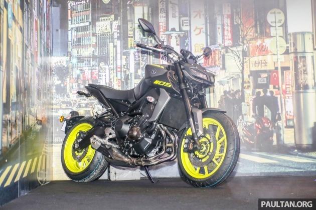 Yamaha-dang-rot-gia-xe-the-thao-kich-san-o-An-Do-anh-2