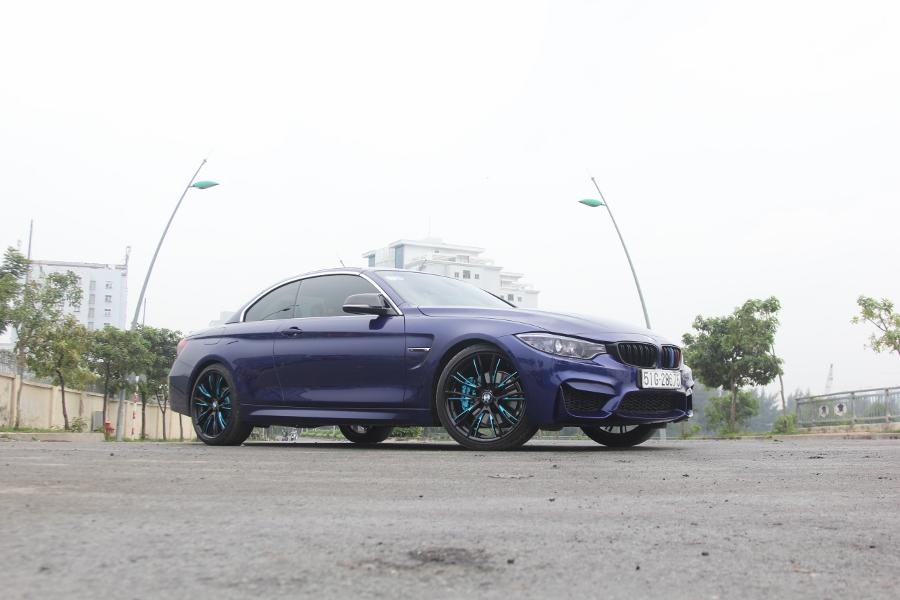 Cam-giac-lai-manh-me-kho-quen-sau-vo-lang-BMW-430i-mui-tran-tai-Sai-thanh-anh-3