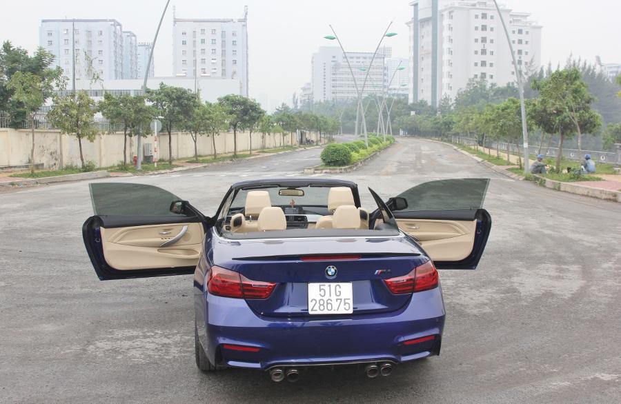 Cam-giac-lai-manh-me-kho-quen-sau-vo-lang-BMW-430i-mui-tran-tai-Sai-thanh-anh-4