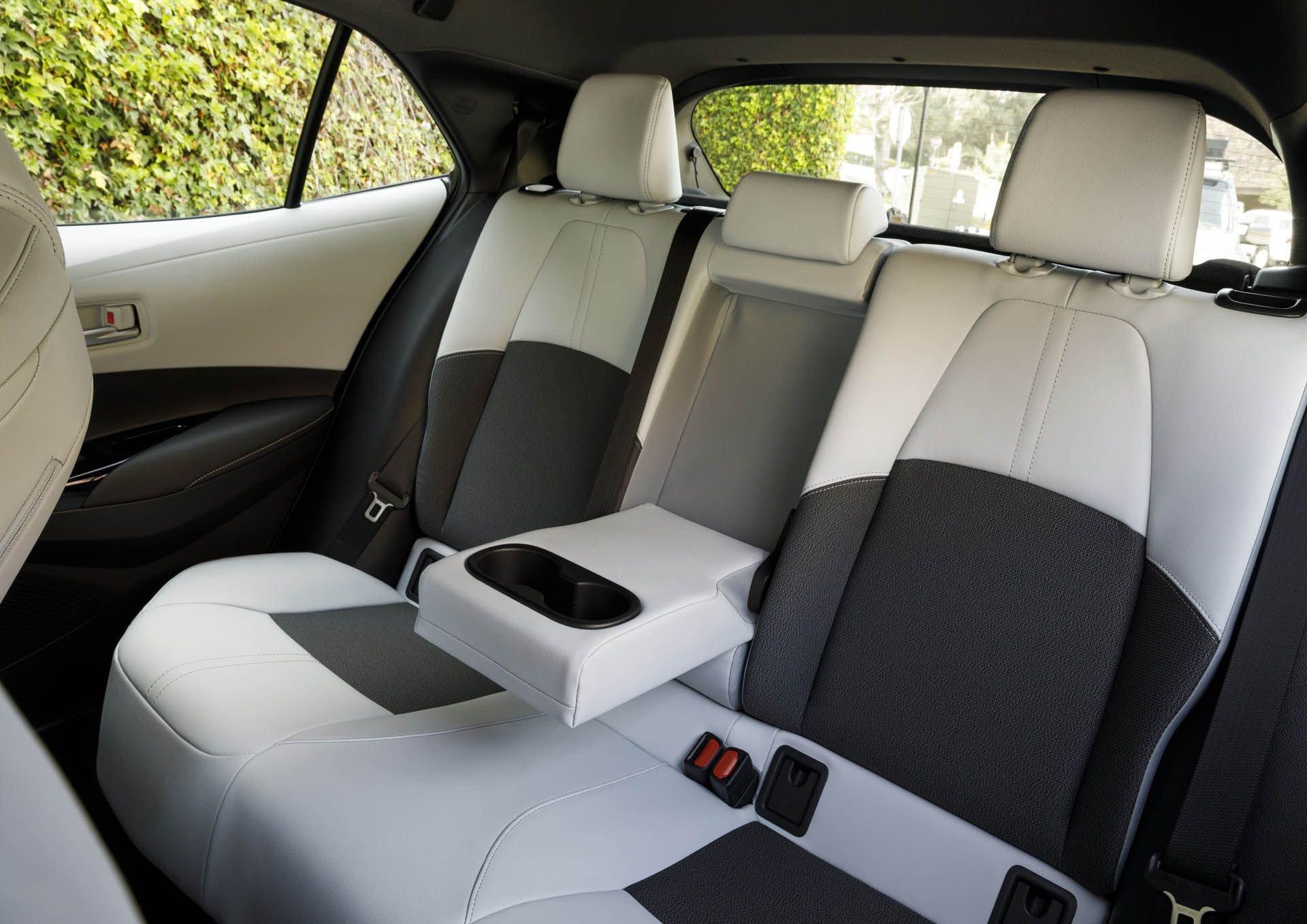 Toyota-Corolla-Hatchback-2019-co-gia-duoi-500-trieu-dong-anh-3