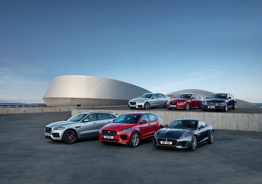Mua-Jaguar-va-Land-Rover-huong-bao-hiem-thuy-kich-huu-dung-anh-1