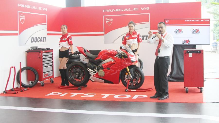 Ducati-gioi-thieu-mo-to-manh-nhat-the-gioi-Panigale-V4-S-tai-Sai-Gon-anh-1
