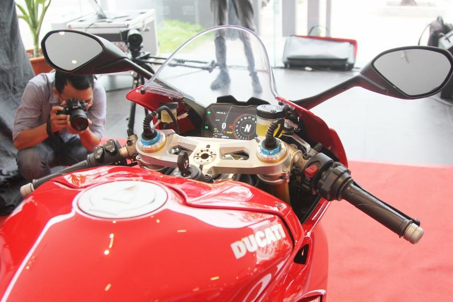 Ducati-gioi-thieu-mo-to-manh-nhat-the-gioi-Panigale-V4-S-tai-Sai-Gon-anh-7