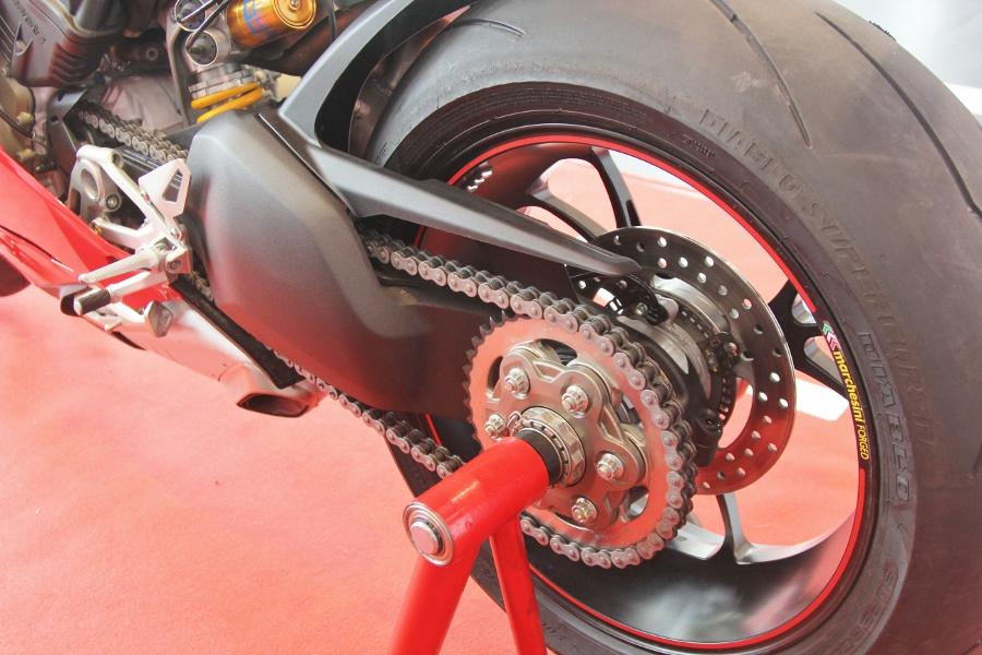 Ducati-gioi-thieu-mo-to-manh-nhat-the-gioi-Panigale-V4-S-tai-Sai-Gon-anh-18