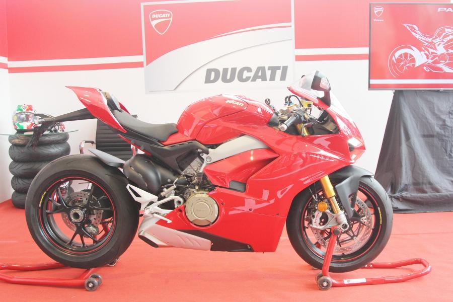 Ducati-gioi-thieu-mo-to-manh-nhat-the-gioi-Panigale-V4-S-tai-Sai-Gon-anh-15