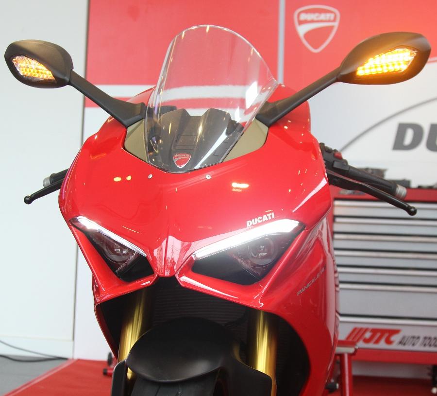 Ducati-gioi-thieu-mo-to-manh-nhat-the-gioi-Panigale-V4-S-tai-Sai-Gon-anh-14