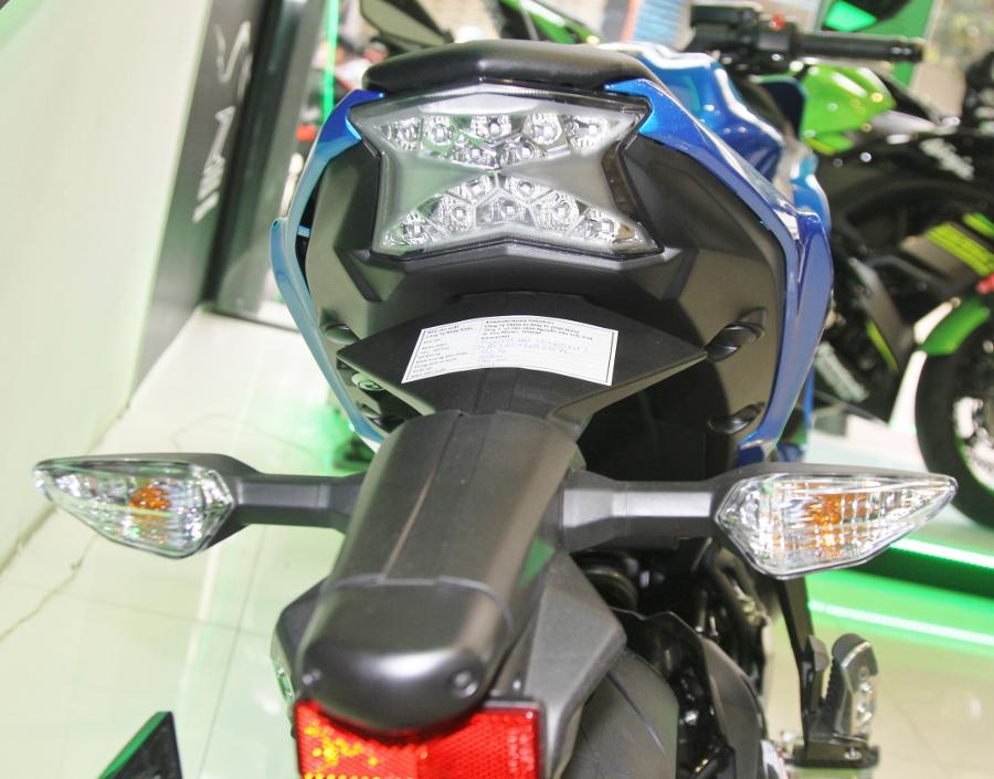Kawasaki-Ninja-650-2018-Sportbike-an-so-tren-duong-Viet-anh-10