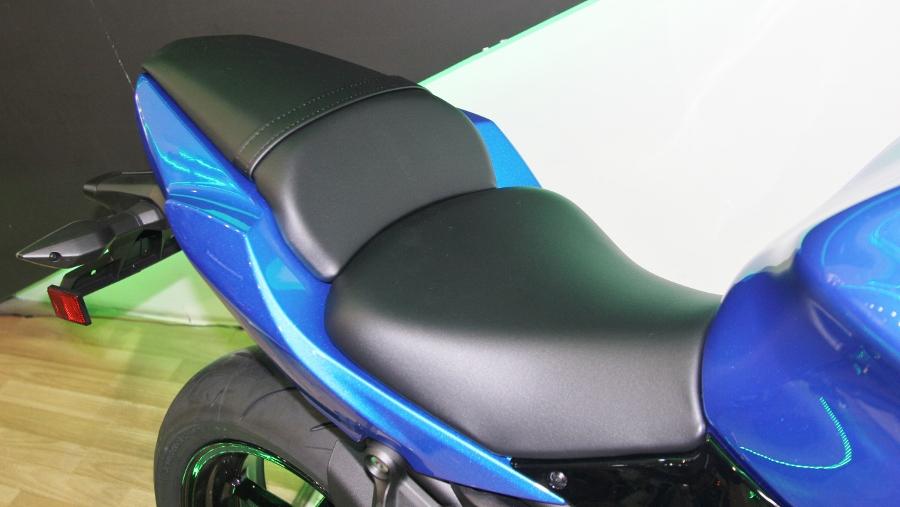 Kawasaki-Ninja-650-2018-Sportbike-an-so-tren-duong-Viet-anh-6