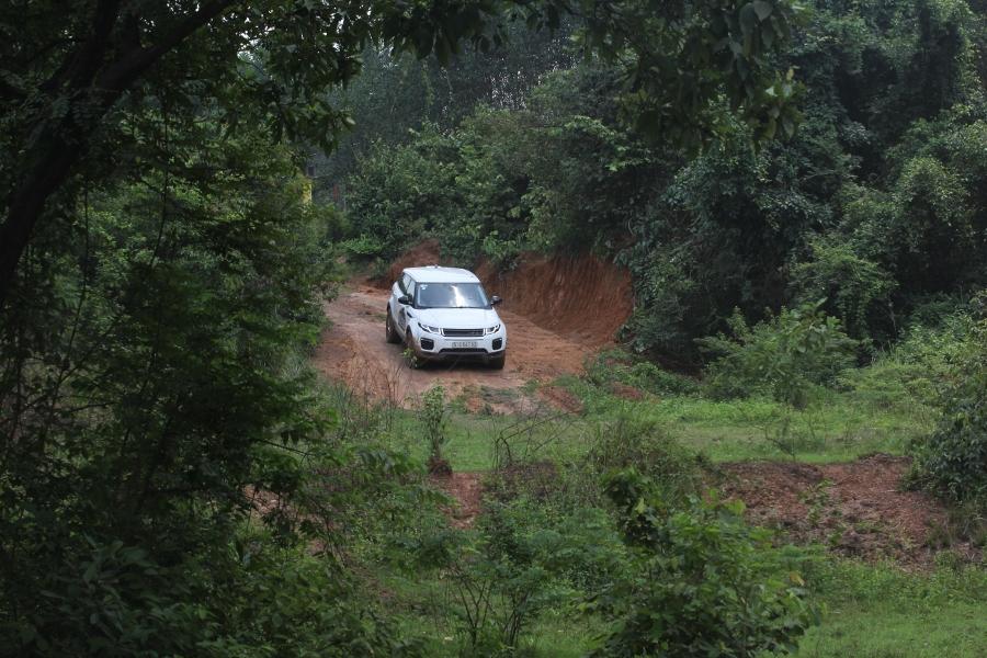 Trai-nghiem-Land-Rover-tu-offroad-anh-13