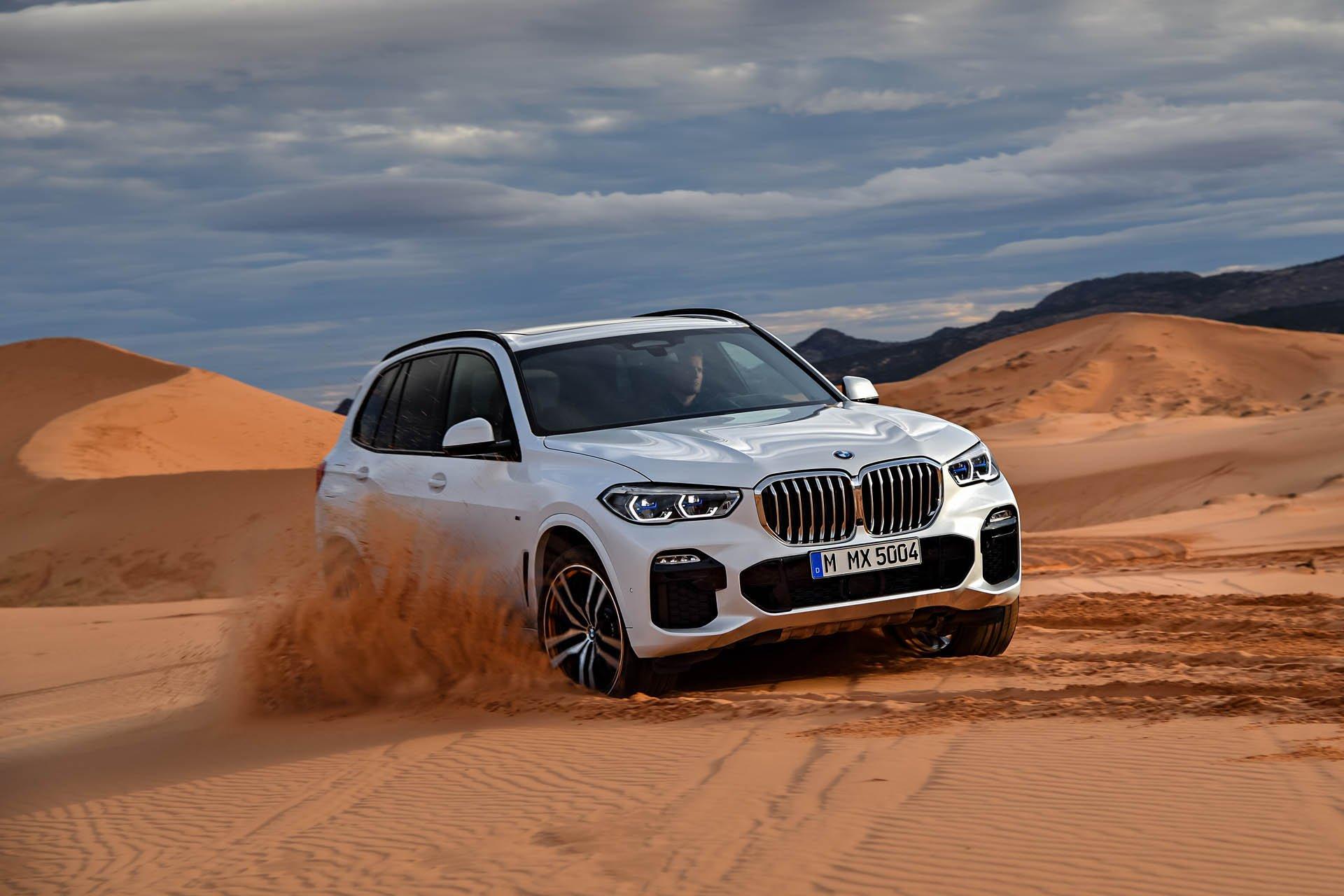 SUV-hang-sang-BMW-X5-2019-chot-gia-gan-62000-USD-anh-3