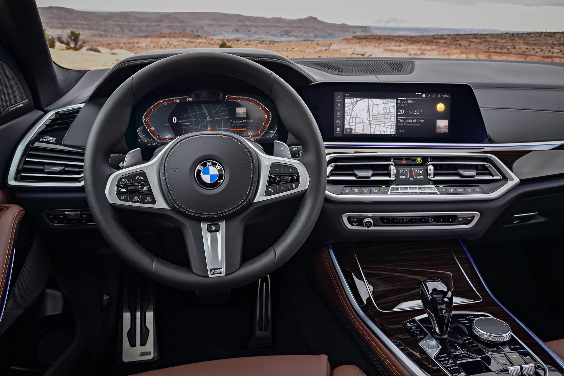 SUV-hang-sang-BMW-X5-2019-chot-gia-gan-62000-USD-anh-5