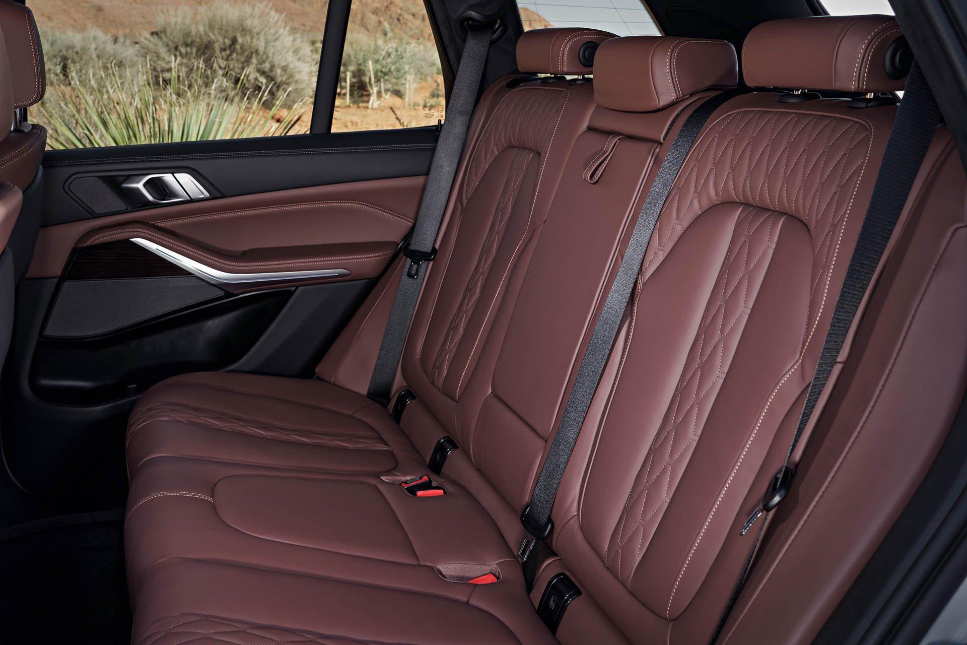 SUV-hang-sang-BMW-X5-2019-chot-gia-gan-62000-USD-anh-6