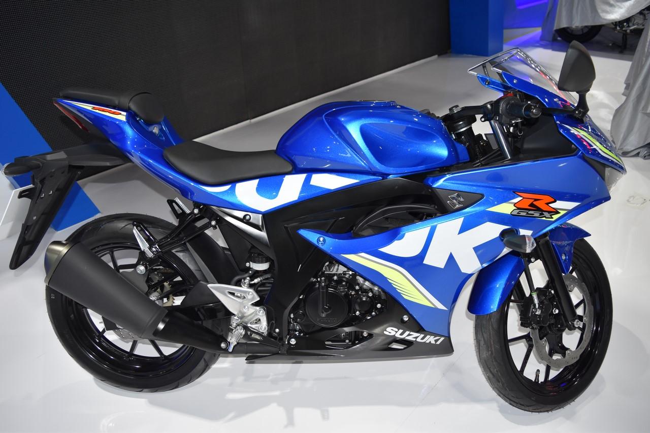 Mo-to-chom-Suzuki-GSX-R150-2018-hang-Indonesia-mau-moi-gia-48-trieu-dong-anh-2