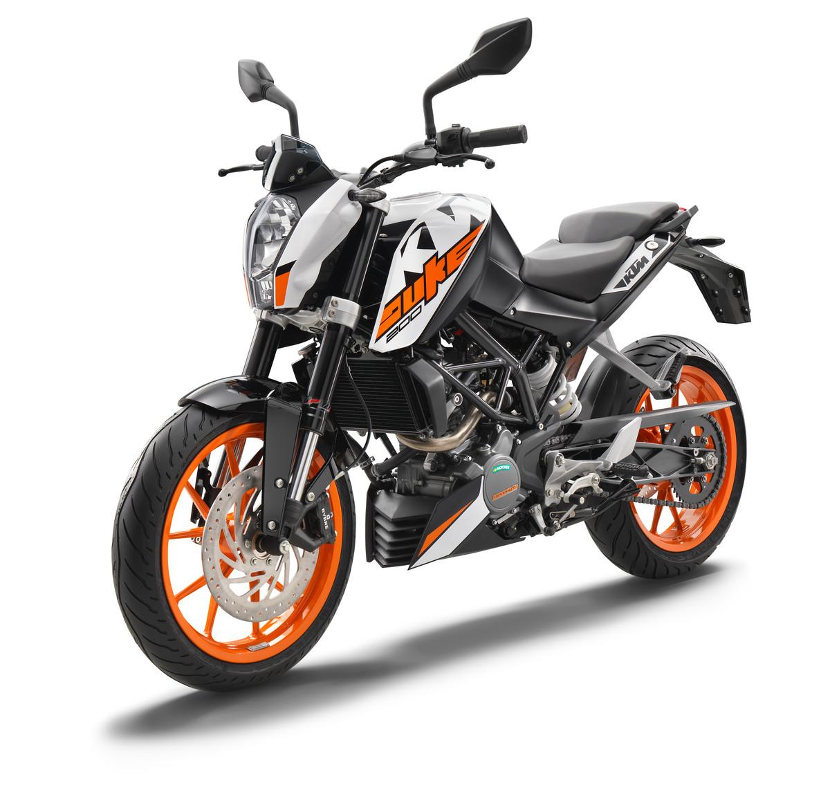 KTM-Duke-200-2018-gia-68-trieu-dong-tai-Malaysia-anh-2