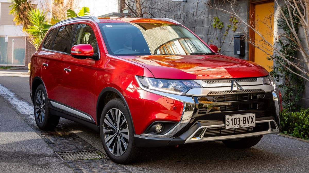 Mitsubishi-Outlander-2019-duoc-nang-cap-nhe-anh-2