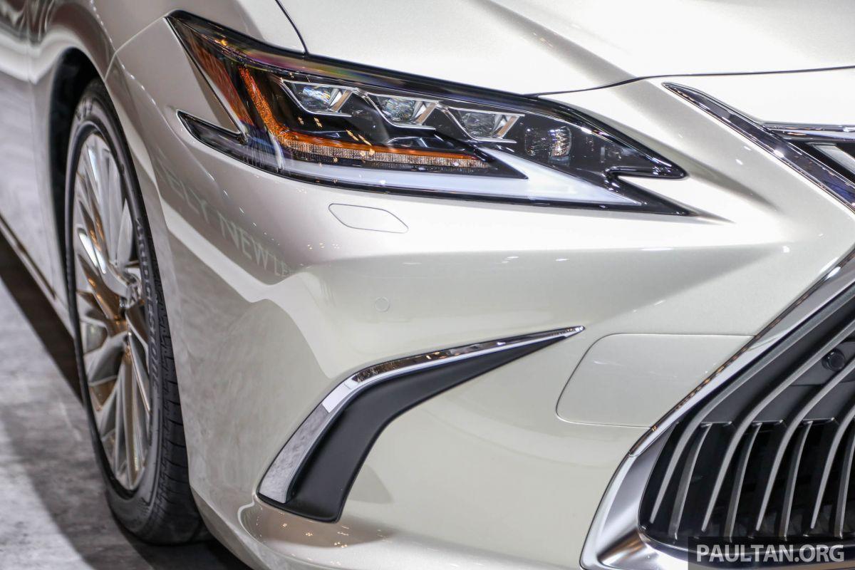 Lexus-ES-300h-2019-anh-13