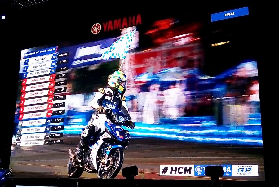 Giai-dua-xe-Yamaha-Exciter-150-giua-Sai-Gon-anh-19