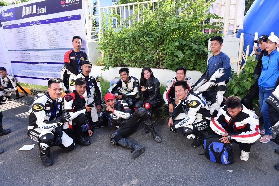 Giai-dua-xe-Yamaha-Exciter-150-giua-Sai-Gon-anh-7
