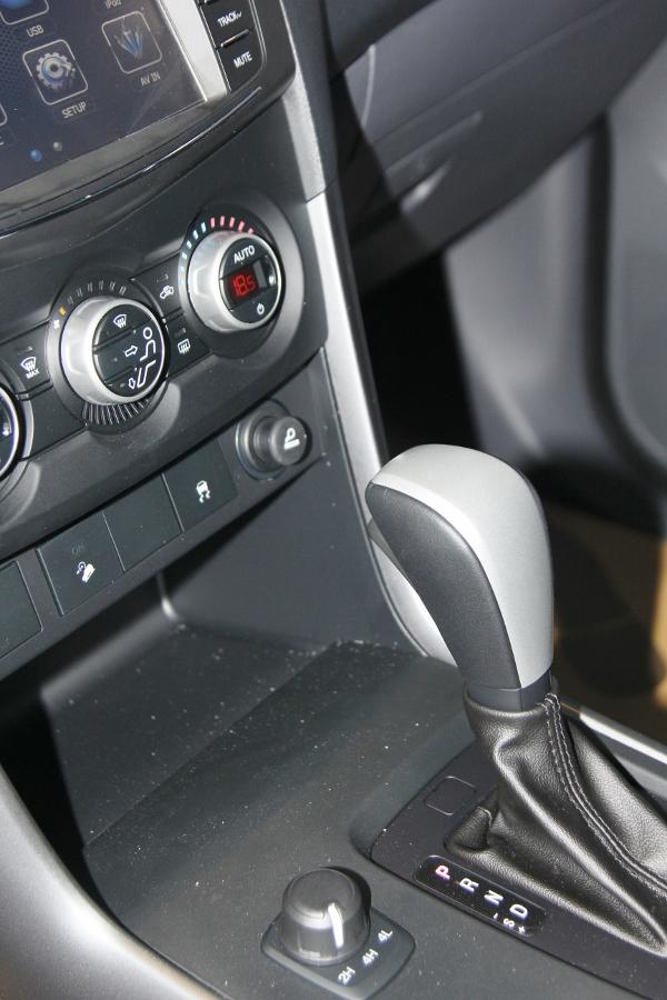 THACO-gioi-thieu-Mazda-BT-50-tien-nghi-hon-va-ban-cao-cap-22-ATH-4x2-gia-729-trieu-dong-anh-9