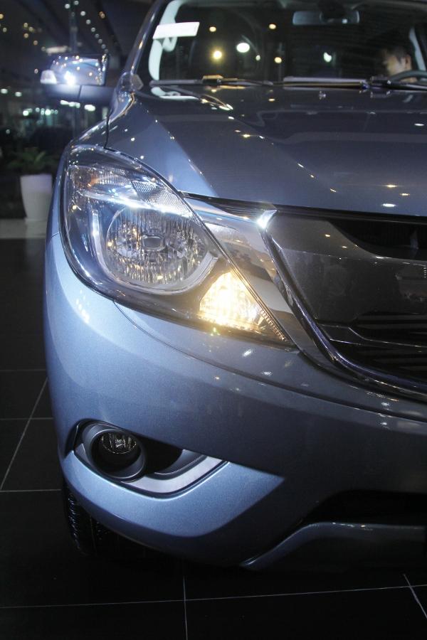 THACO-gioi-thieu-Mazda-BT-50-tien-nghi-hon-va-ban-cao-cap-22-ATH-4x2-gia-729-trieu-dong-anh-6