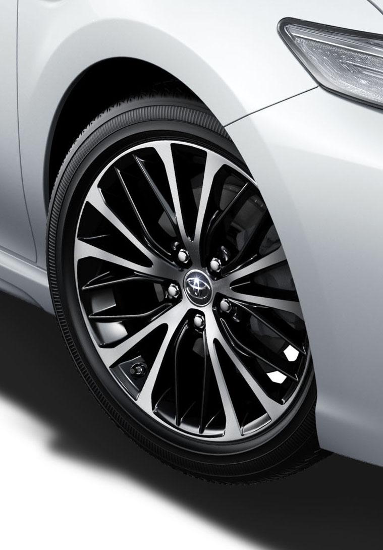 Toyota-Camry-Sport-2018-hybrid-mat-ngau-33-4km-lit-gia-772-trieu-dong-anh-8