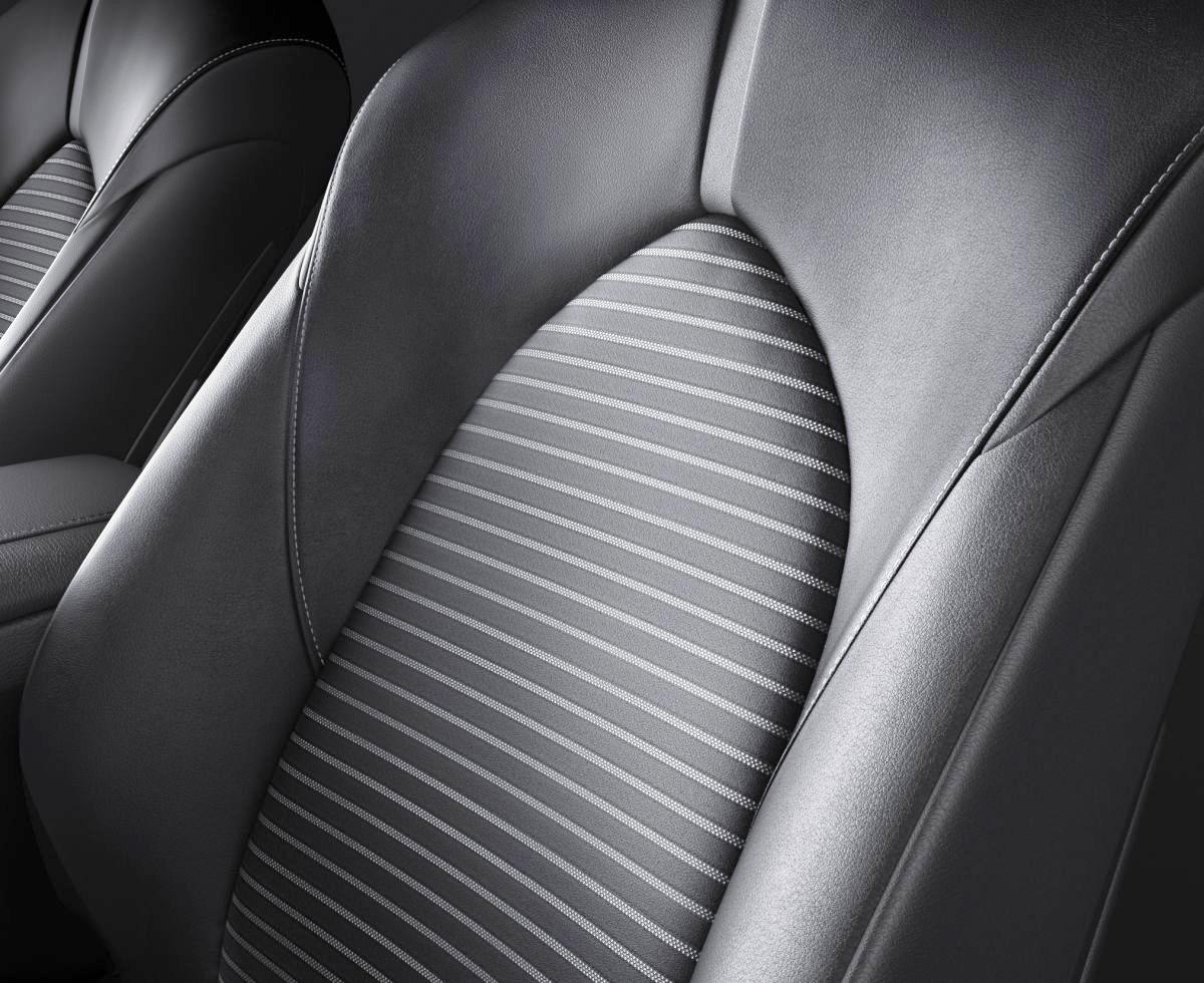 Toyota-Camry-Sport-2018-hybrid-mat-ngau-33-4km-lit-gia-772-trieu-dong-anh-6