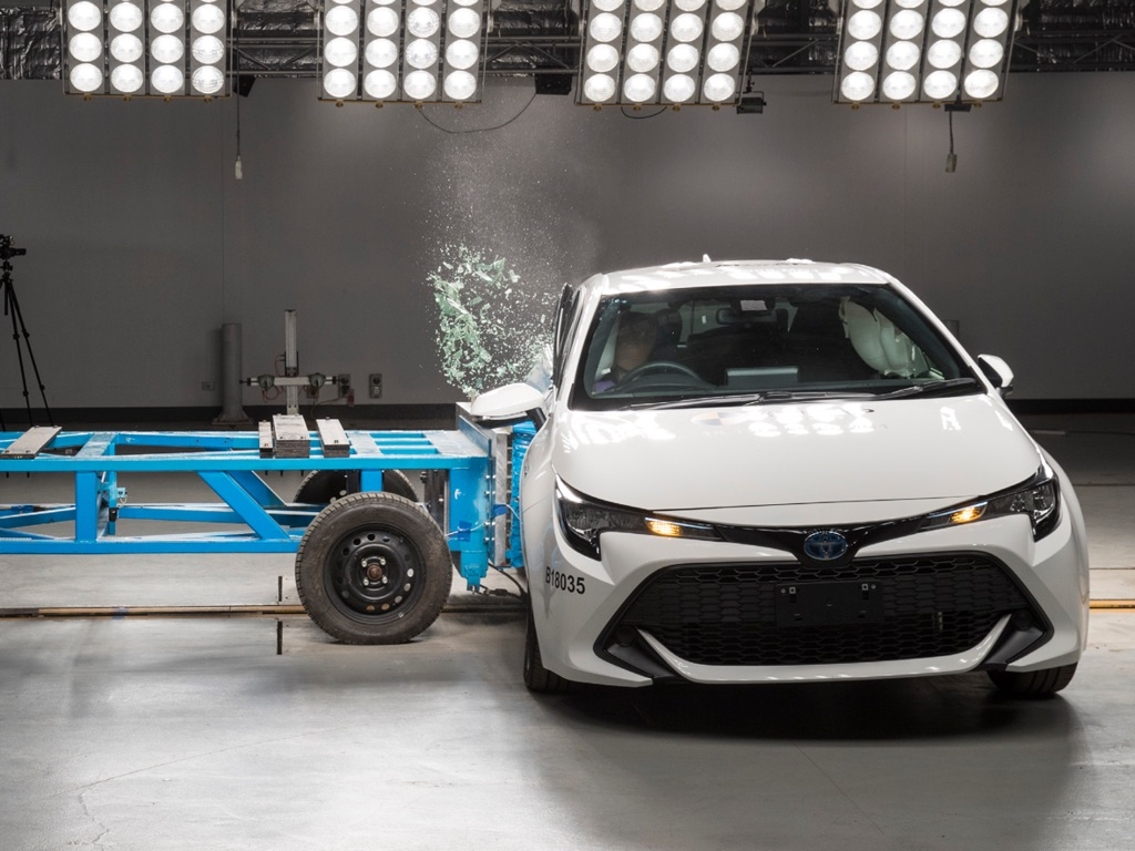 Toyota-Corolla-Hatchback-2019-dat-chuan-an-toan-ANCAP-5-sao-anh-5