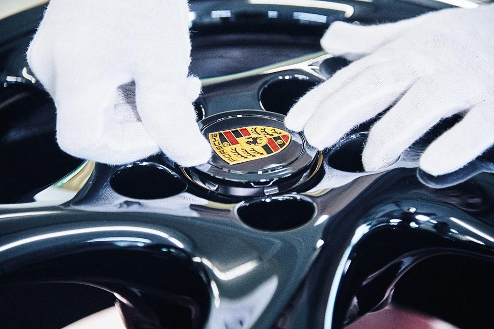 Porsche-che-xe-co-911-Turbo-phong-cach-the-thao-450-ma-luc-anh-4