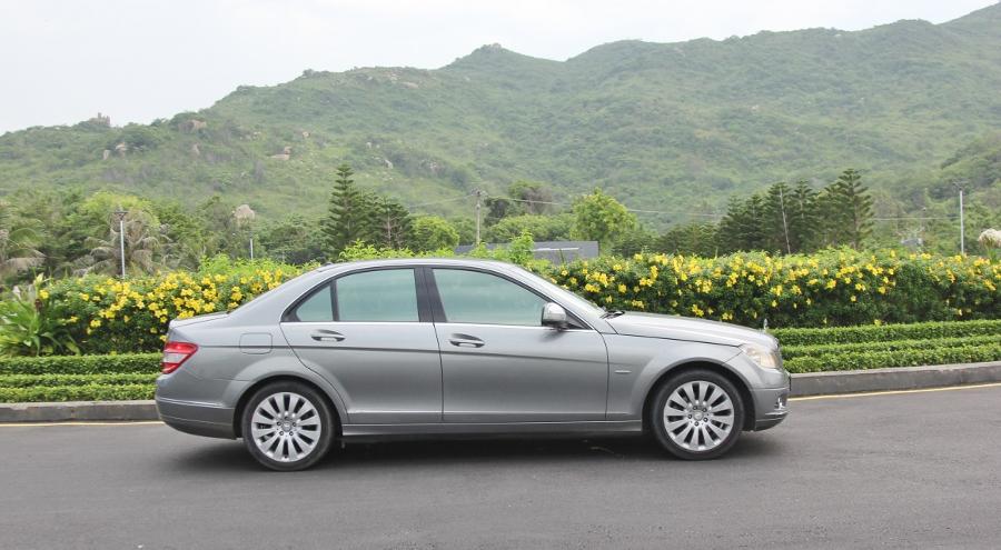 Mercedes-Benz-C200-Kompressor-Dep-va-sang-nhu-thuo-ban-dau-anh-12