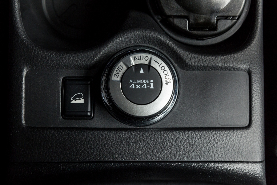 Nissan-X-Trai-V-series-phien-ban-Viet-gia-tu-991-trieu-dong-anh-6
