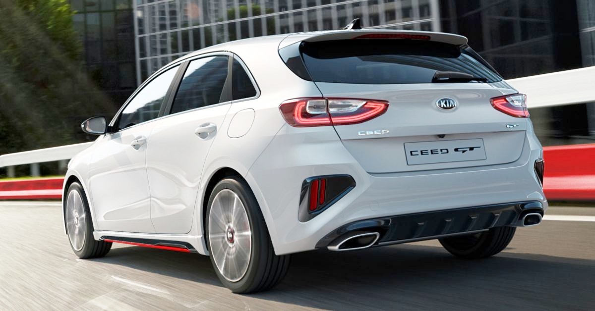 Hatchback-Ceed-GT-2018-lai-phan-khich-voi-luc-keo-ngoai-hang-anh-3