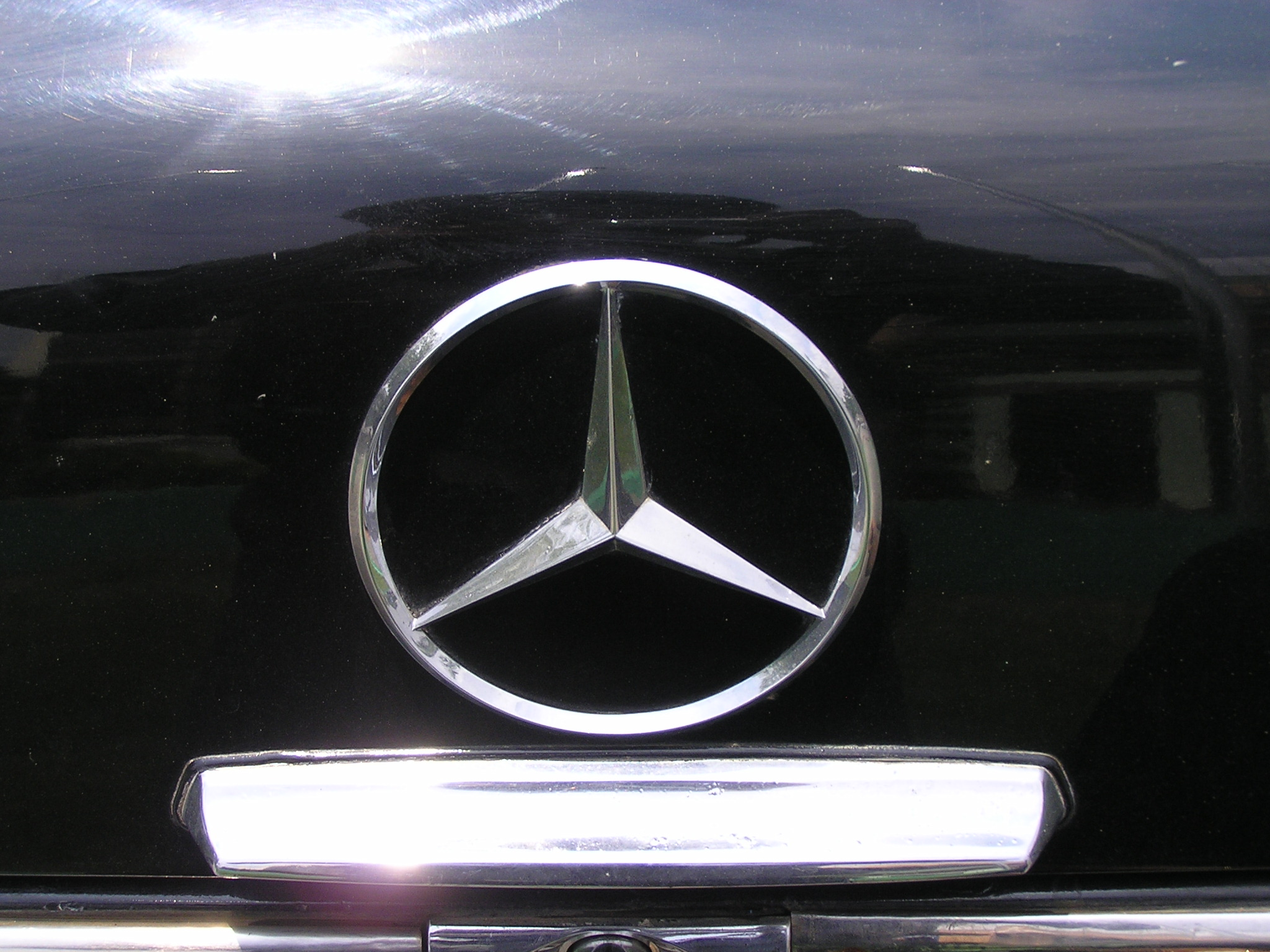 Trai-nghiem-qua-khu-ngot-ngao-tren-Mercedes-Benz-Limousine-230E-1969-anh-29