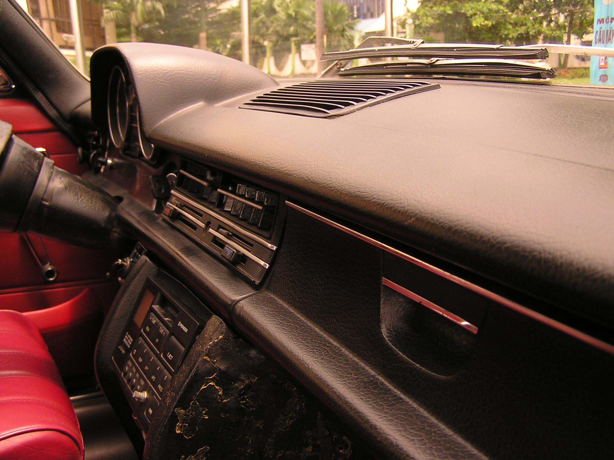 Trai-nghiem-qua-khu-ngot-ngao-tren-Mercedes-Benz-Limousine-230E-1969-anh-25