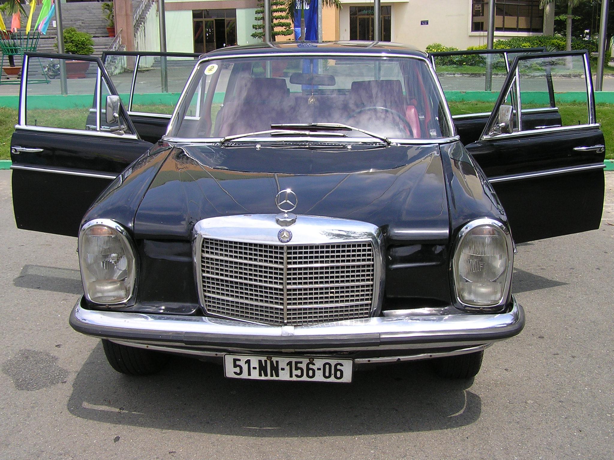 Trai-nghiem-qua-khu-ngot-ngao-tren-Mercedes-Benz-Limousine-230E-1969-anh-30