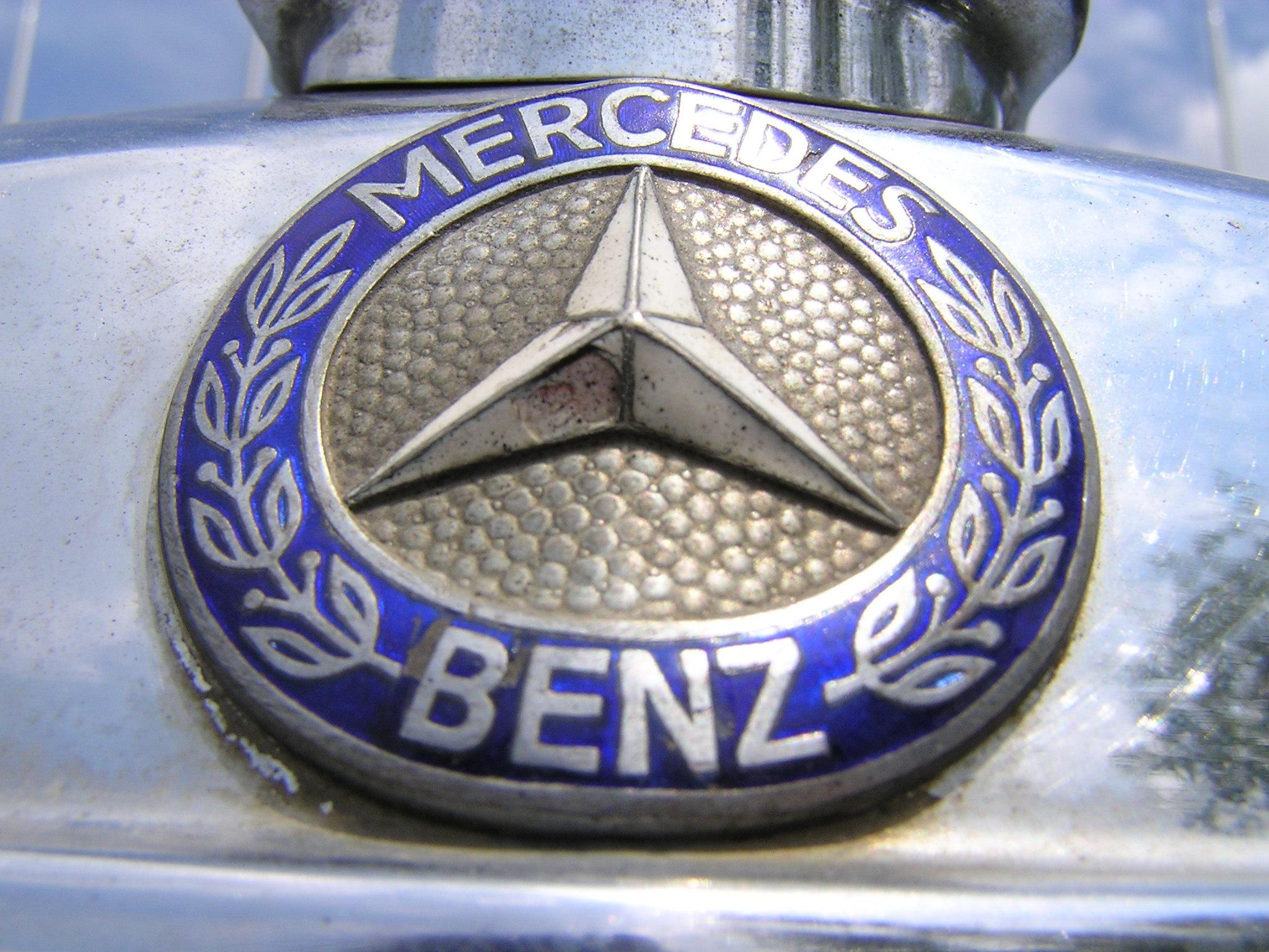 Trai-nghiem-qua-khu-ngot-ngao-tren-Mercedes-Benz-Limousine-230E-1969-anh-28