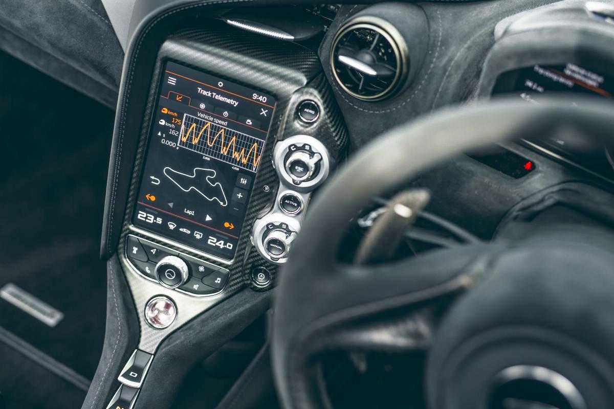 Goi-do-Track-Pack-bien-McLaren-720S-thanh-xe-dua-do-thi-anh-4