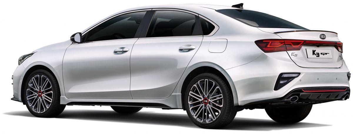 Kia-Cerato-GT-ban-sedan-1-6-L-dat-201-ma-luc-anh-3
