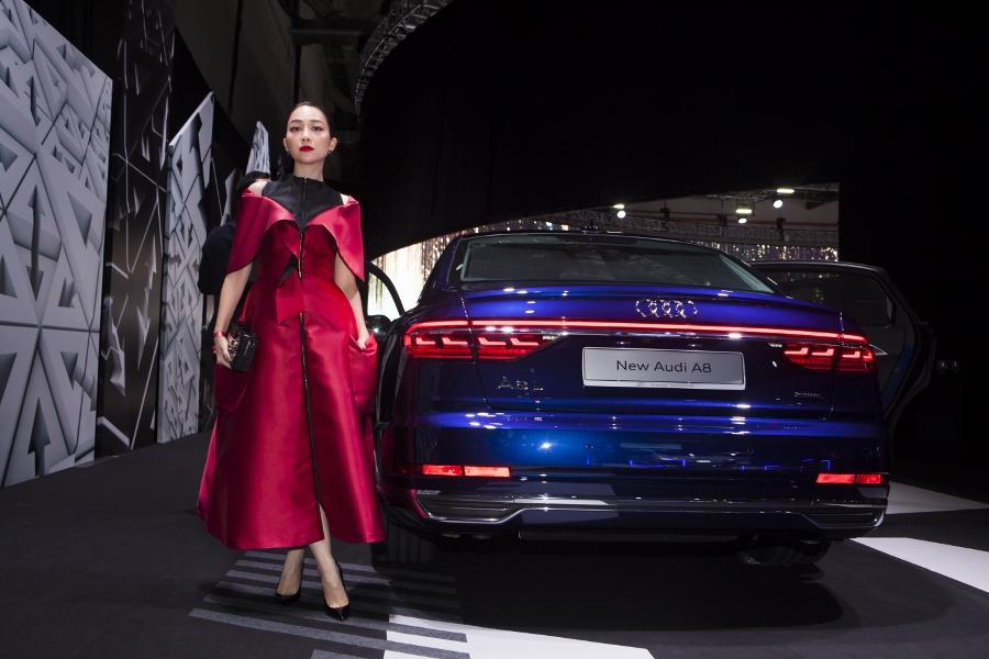 Hinh-anh-cac-dai-su-Audi-tai-trien-lam-ABE-Singapore-2018-anh-12